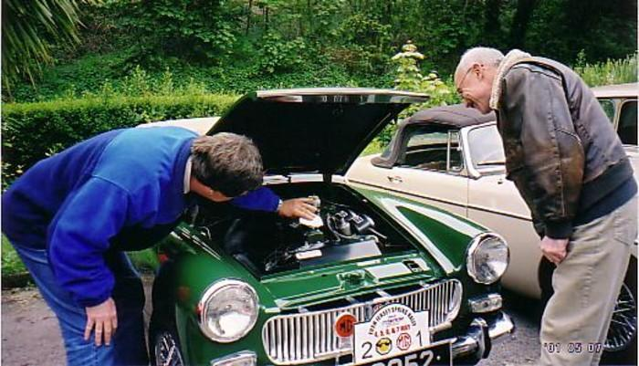 Alex Garvey from Hampshire & Ron Maier from Germany dusting my engine