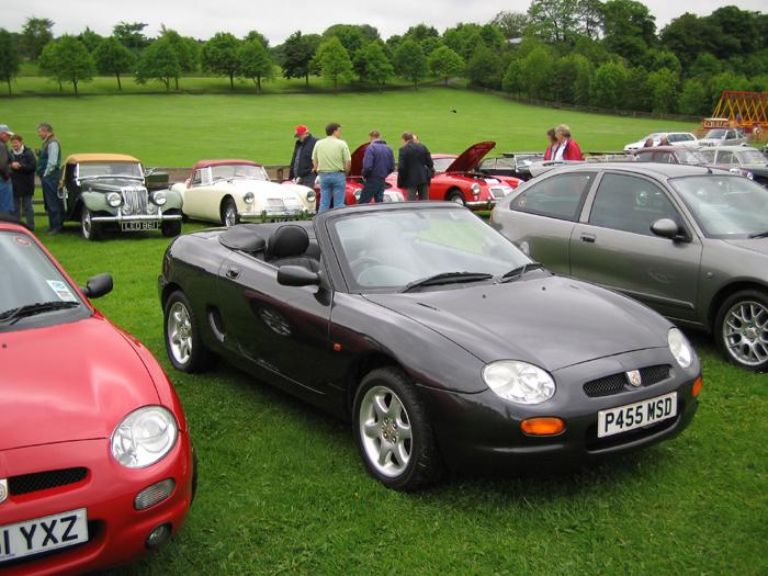 Rare convertible MGF caught at show - it was the only one with the roof down!!