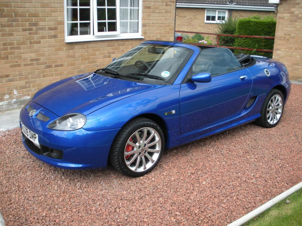 MG TF LE500 in Intense Blue
